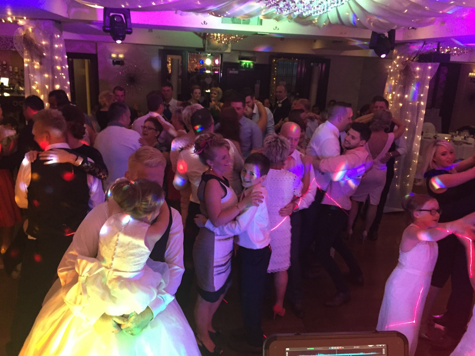 Crowd shot Ramada Hotel The Wedding disco 2015-07-24 21.13.22