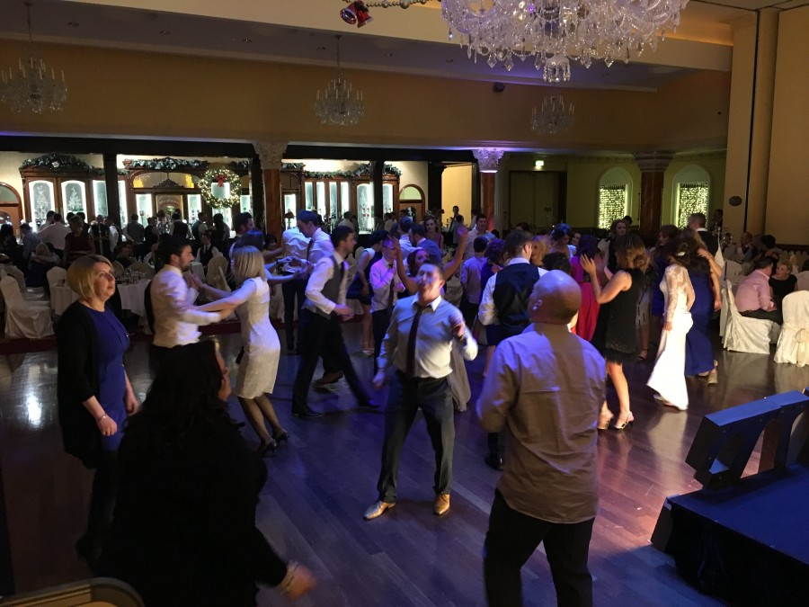 crowd shot Tullyglass hotel the wedding disco 2015-12-30 01.07.30